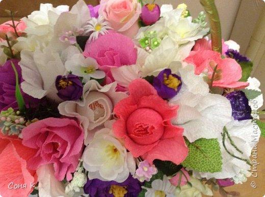 Дорогие мастера и мастерицы сегодня я к вам в гости с конфетной композицией -сумочкой на свадьбу. Спасибо всем мастерам которые выставляютМК. Ирочке Рязаночке за МК с открыв сумкой. фото 1