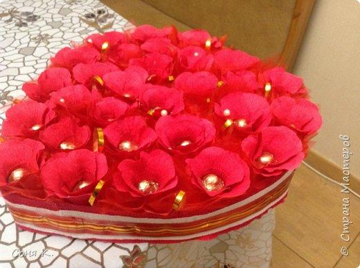 Дорогие мастера и мастерицы сегодня я к вам в гости с конфетной композицией -сумочкой на свадьбу. Спасибо всем мастерам которые выставляютМК. Ирочке Рязаночке за МК с открыв сумкой. фото 8