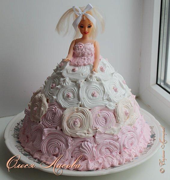 Всем здравствуйте! Хочу представить мой первый торт-куклу. Заказали на 6-ти летие девочки торт, на свой страх и риск решила испечь торт-куклу (раньше такого ничего подобного не пекла), но решать, что получилось...Вам, мои дорогие мастерицы!!! фото 1