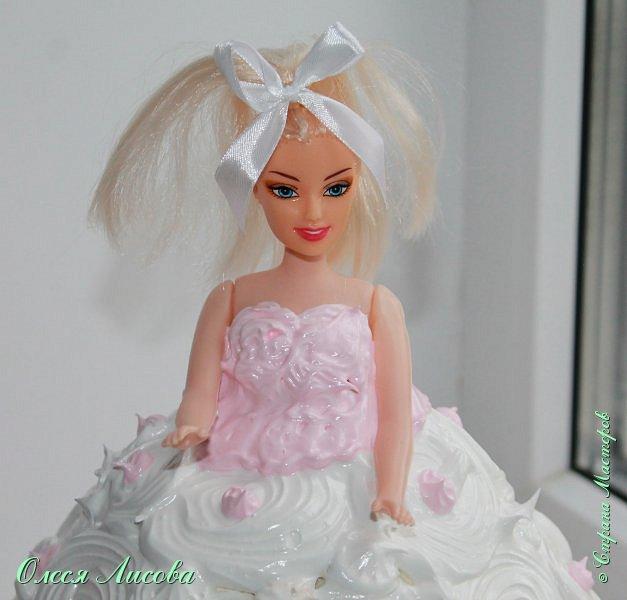 Всем здравствуйте! Хочу представить мой первый торт-куклу. Заказали на 6-ти летие девочки торт, на свой страх и риск решила испечь торт-куклу (раньше такого ничего подобного не пекла), но решать, что получилось...Вам, мои дорогие мастерицы!!! фото 19