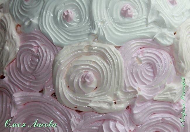 Всем здравствуйте! Хочу представить мой первый торт-куклу. Заказали на 6-ти летие девочки торт, на свой страх и риск решила испечь торт-куклу (раньше такого ничего подобного не пекла), но решать, что получилось...Вам, мои дорогие мастерицы!!! фото 20