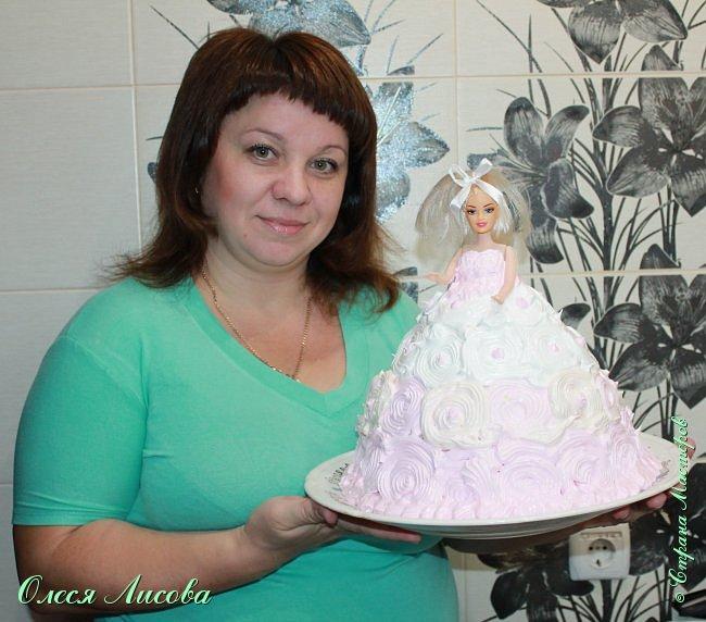 Всем здравствуйте! Хочу представить мой первый торт-куклу. Заказали на 6-ти летие девочки торт, на свой страх и риск решила испечь торт-куклу (раньше такого ничего подобного не пекла), но решать, что получилось...Вам, мои дорогие мастерицы!!! фото 22