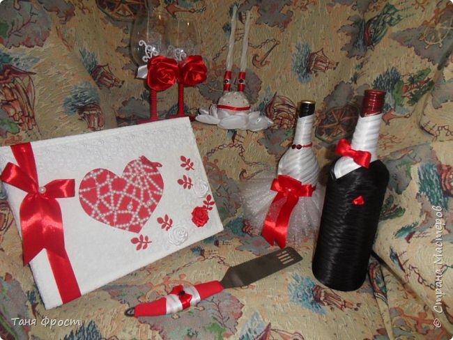 Свадебный комплект, созданный на контрасте красного и белого фото 1