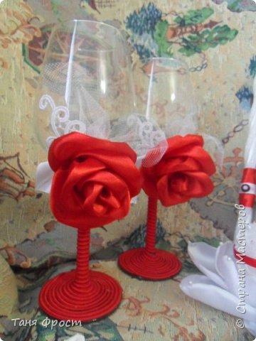 Свадебный комплект, созданный на контрасте красного и белого фото 7