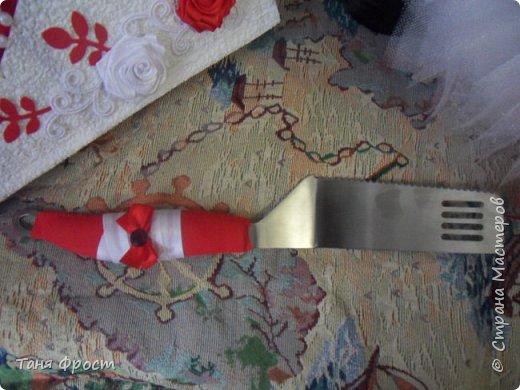 Свадебный комплект, созданный на контрасте красного и белого фото 10