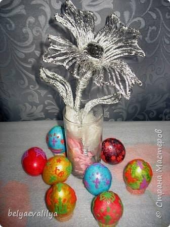 Цветок из фольги,сделанный с учениками 2 класса в подарок мамам и бабушкам к 8 марта!