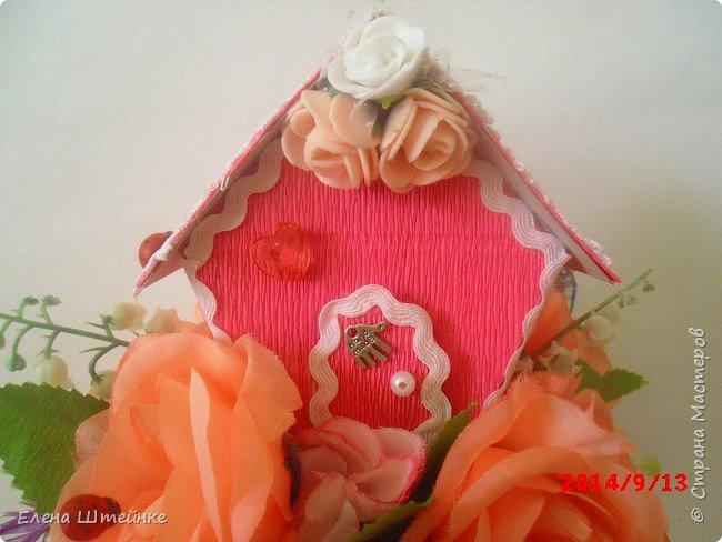 Вот такой домик на деревце для феечки я сделала в подарок для девочки. Внутри домика положила розовые конфетки. фото 12