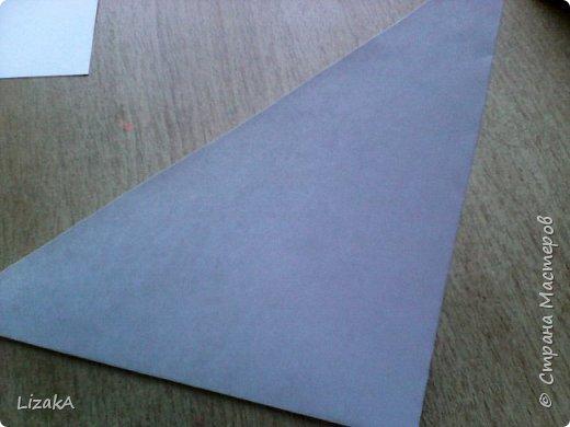 """Привет всем,кто заглянул ко мне в гости! :) Это мой 1 блог)) Однажды на одной сайте(не помню на каком) я увидела:""""Как сделать цветок из бумаги?"""" Делается в технике оригами,только нам понадобятся ножницы :) фото 3"""