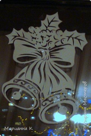Новогодние украшения на окне вместо снежинок фото 7