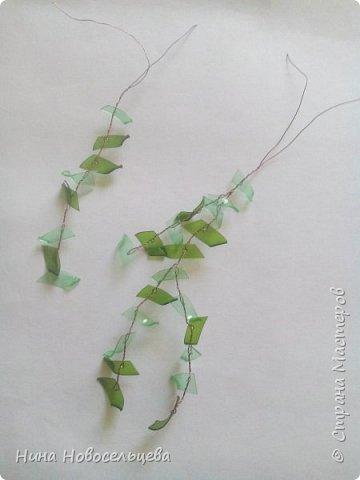 Добрый день! Меня попросили рассказать как я делаю веточки для своих деревьев. Это мой первый мастер класс, если что то не так, пожалуйста скажите, я все замечания приму к сведению. Эти деревца сделаны из пластиковых бутылок.  фото 6