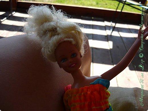 Анна сидела и ждала, пока придут подруги у окна... фото 13