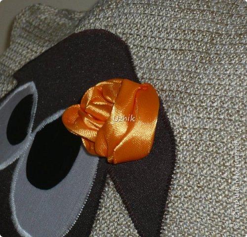 Вот такой символ 2015 года получился. Подушка из рогожки, с аппликацией и атласной розой. фото 4