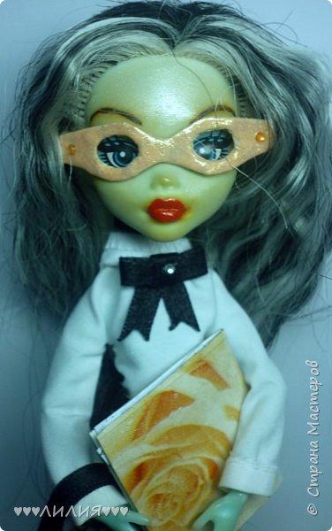 Решила из Маргоши сделать деловую даму)даже попробовала сделать очки,а насколько хорошо у меня удался образ судить вам)Фото будет много) фото 5