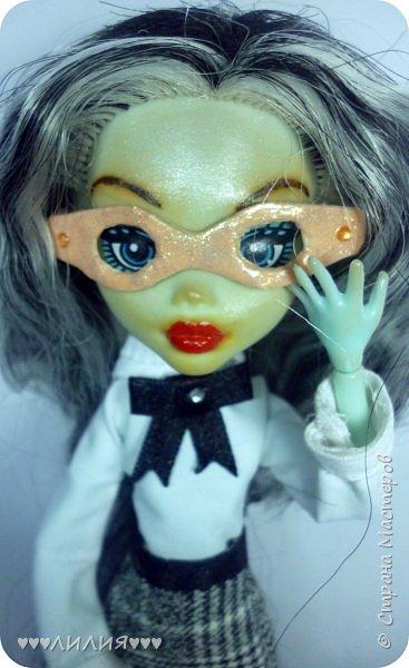 Решила из Маргоши сделать деловую даму)даже попробовала сделать очки,а насколько хорошо у меня удался образ судить вам)Фото будет много) фото 7