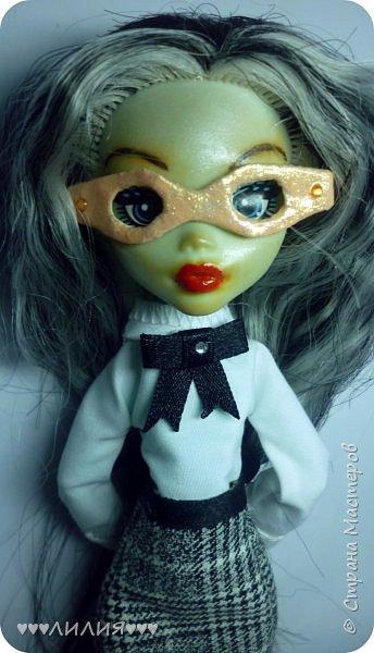 Решила из Маргоши сделать деловую даму)даже попробовала сделать очки,а насколько хорошо у меня удался образ судить вам)Фото будет много) фото 6