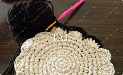 Мастер-класс Поделка изделие Новый год Вязание Вязание крючком Облачко на ножках бегает по дорожке Бусины Клей Нитки Пряжа фото 11