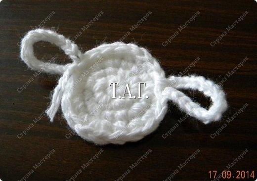 Мастер-класс Поделка изделие Новый год Вязание Вязание крючком Облачко на ножках бегает по дорожке Бусины Клей Нитки Пряжа фото 15