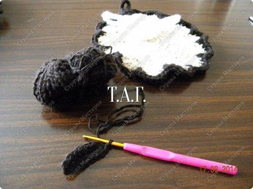Мастер-класс Поделка изделие Новый год Вязание Вязание крючком Облачко на ножках бегает по дорожке Бусины Клей Нитки Пряжа фото 16