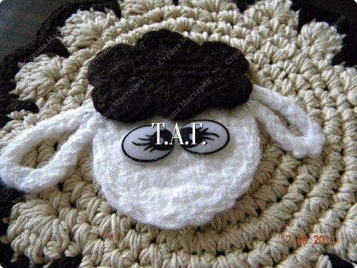Мастер-класс Поделка изделие Новый год Вязание Вязание крючком Облачко на ножках бегает по дорожке Бусины Клей Нитки Пряжа фото 25