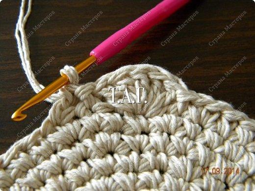 Мастер-класс Поделка изделие Новый год Вязание Вязание крючком Облачко на ножках бегает по дорожке Бусины Клей Нитки Пряжа фото 7