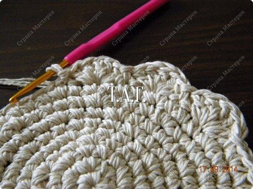 Мастер-класс Поделка изделие Новый год Вязание Вязание крючком Облачко на ножках бегает по дорожке Бусины Клей Нитки Пряжа фото 8