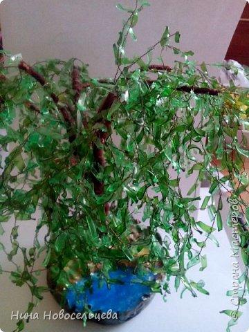 Добрый день! Меня попросили рассказать как я делаю веточки для своих деревьев. Это мой первый мастер класс, если что то не так, пожалуйста скажите, я все замечания приму к сведению. Эти деревца сделаны из пластиковых бутылок.  фото 8