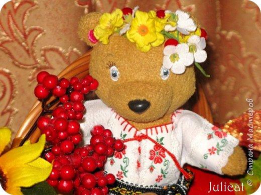 """Здравствуйте, дорогие жители и гости """"Страны Мастеров""""! Давно не виделись)  С удовольствием представляю Вашему вниманию мою последнюю работу - народный украинский костюм для моей любимой Мишутки Даринки. Надеюсь, что Вы уже знакомы с ней и ее уютным домиком. Если нет - Добро пожаловать в гости http://stranamasterov.ru/node/713606 фото 1"""