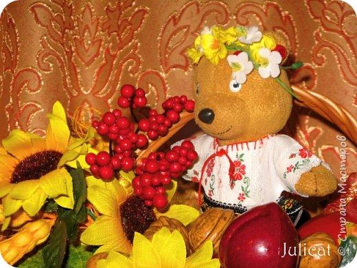 """Здравствуйте, дорогие жители и гости """"Страны Мастеров""""! Давно не виделись)  С удовольствием представляю Вашему вниманию мою последнюю работу - народный украинский костюм для моей любимой Мишутки Даринки. Надеюсь, что Вы уже знакомы с ней и ее уютным домиком. Если нет - Добро пожаловать в гости http://stranamasterov.ru/node/713606 фото 8"""