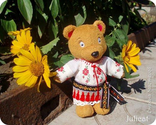"""Здравствуйте, дорогие жители и гости """"Страны Мастеров""""! Давно не виделись)  С удовольствием представляю Вашему вниманию мою последнюю работу - народный украинский костюм для моей любимой Мишутки Даринки. Надеюсь, что Вы уже знакомы с ней и ее уютным домиком. Если нет - Добро пожаловать в гости http://stranamasterov.ru/node/713606 фото 12"""