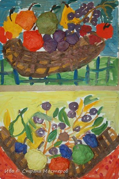 Комбинированное задание аппликация и добавленный рисунок фруктов. фото 2