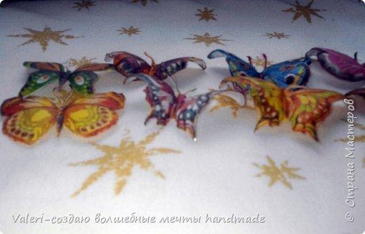 Мастер-класс Поделка изделие Декупаж Декупажные объёмные бабочки Бутылки пластиковые Краска Салфетки фото 9