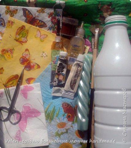 Мастер-класс Поделка изделие Декупаж Декупажные объёмные бабочки Бутылки пластиковые Краска Салфетки фото 2