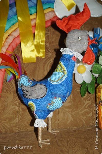 """Всем жителям СМ приветик. Давненько я не показывала ничего новенького, отпуск однако)  После отпуск пошли мы в сад, а там в один голос родители, """"Почему курица без петушка?"""" Вот им петушок! фото 2"""