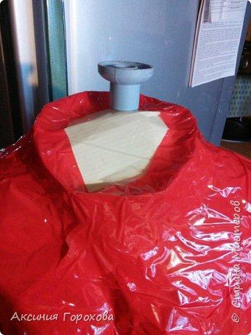 Материалы для создания:скотч, бумага,дерево, палка, 2 старых футболки,картон. фото 16