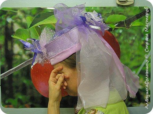 Подбежала Галя Авдеева на репетиции ко мне, дай, говорит, шляпу примерить? Под сиреневую мою футболку подходит :-) Хотя знала, что шляпа - для Лены Косенко сделана была! фото 44