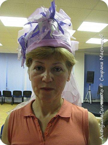Подбежала Галя Авдеева на репетиции ко мне, дай, говорит, шляпу примерить? Под сиреневую мою футболку подходит :-) Хотя знала, что шляпа - для Лены Косенко сделана была! фото 46
