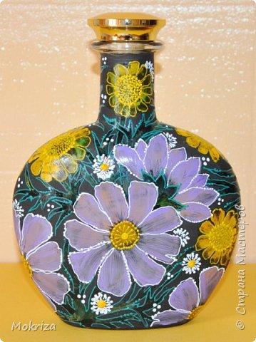 Материалы:  стеклянная бутылка акриловые и витражные краски кисти лак фото 2