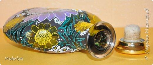 Материалы:  стеклянная бутылка акриловые и витражные краски кисти лак фото 4