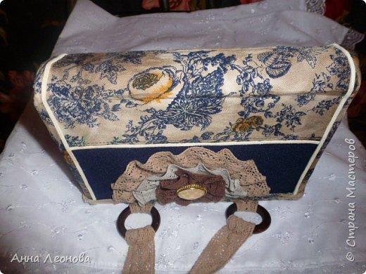 Ткань- остаток подола от моей юбки, с которой и будет теперь в комплекте моя сумочка. фото 2