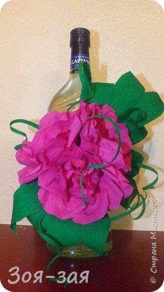 Этими бутылочками с горячительными напитками мы поздравляли наших музчин с 23 февраля.)))Внутри цветочка-конфетка(закусь))))) фото 3