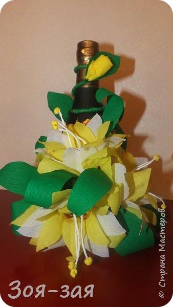 Этими бутылочками с горячительными напитками мы поздравляли наших музчин с 23 февраля.)))Внутри цветочка-конфетка(закусь))))) фото 5