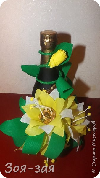 Этими бутылочками с горячительными напитками мы поздравляли наших музчин с 23 февраля.)))Внутри цветочка-конфетка(закусь))))) фото 6