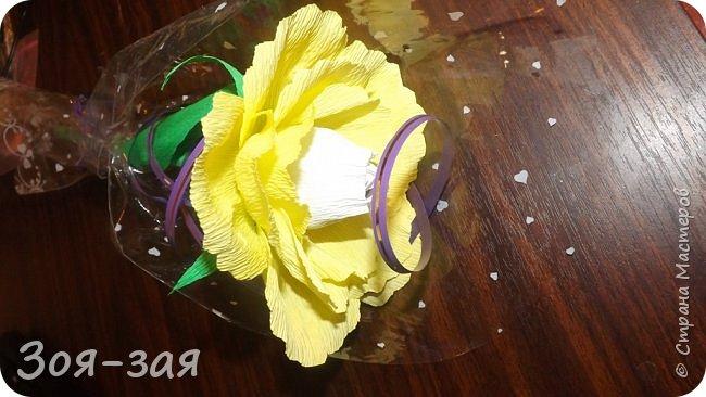 Этими бутылочками с горячительными напитками мы поздравляли наших музчин с 23 февраля.)))Внутри цветочка-конфетка(закусь))))) фото 8
