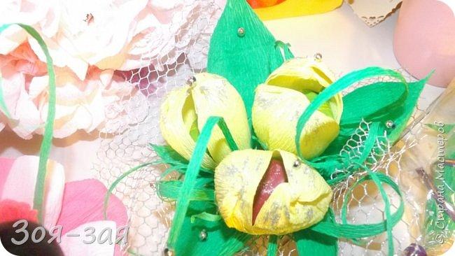 Этими бутылочками с горячительными напитками мы поздравляли наших музчин с 23 февраля.)))Внутри цветочка-конфетка(закусь))))) фото 9