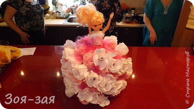 Этими бутылочками с горячительными напитками мы поздравляли наших музчин с 23 февраля.)))Внутри цветочка-конфетка(закусь))))) фото 10