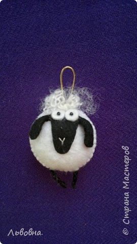 Мастер-класс Поделка изделие Новый год Аппликация Шитьё Готовимся к году Овцы Бисер Бусины Клей Нитки Фетр фото 21
