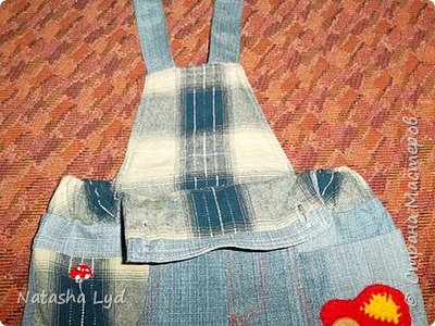 Вопрос - Что можно сделать имея старые джинсы, рубашку, маленького мальчика и немного фантазии? Ответ - комбинезон для маленького мальчика. фото 15
