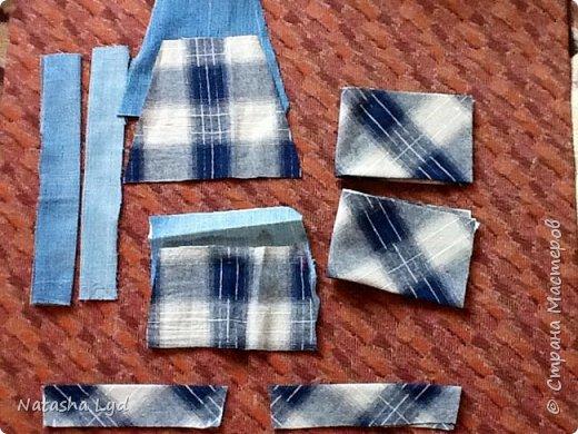 Вопрос - Что можно сделать имея старые джинсы, рубашку, маленького мальчика и немного фантазии? Ответ - комбинезон для маленького мальчика. фото 7