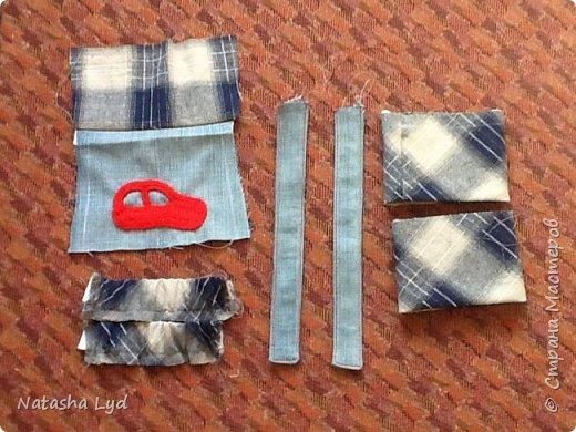 Вопрос - Что можно сделать имея старые джинсы, рубашку, маленького мальчика и немного фантазии? Ответ - комбинезон для маленького мальчика. фото 11