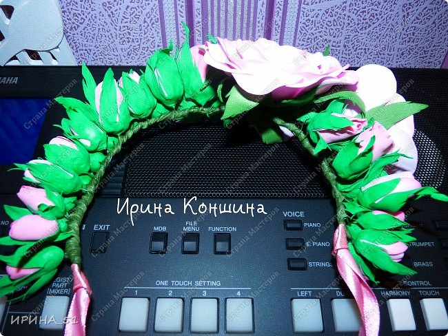 Венок на голову. Цветы из фоамирана.  фото 13